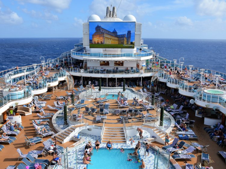 Voyager Of The Seas By Royal Caribbean Gss Rose Tour